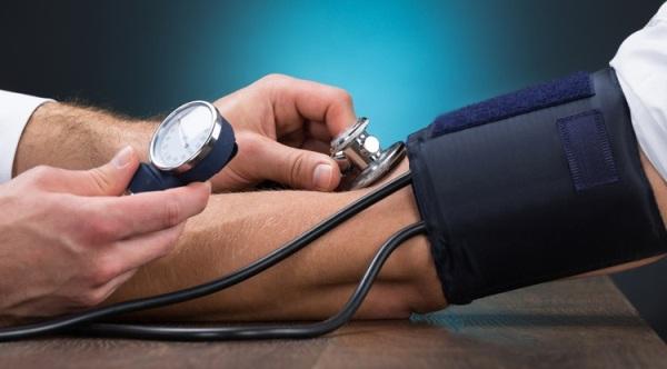 Что значит артериальное давление 120 на 120, что делать и почему тонометр может показывать такие показатели?