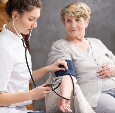 Что означает артериальное давление 130 на 100 — причины, что делать и что принять для нормализации АД?
