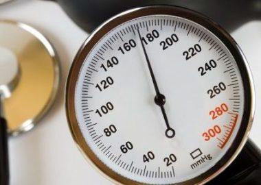 Что значит артериальное давление 170 на 120, причины и симптомы, что делать и как снизить высокие показатели?