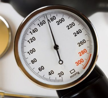 Что делать и что принимать при показателях давления 180 на 100, чем это грозит и чем сбить высокое АД?