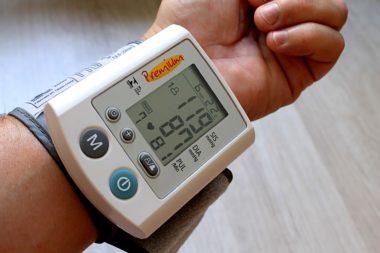 Как принимать яблочный уксус от повышенного давления и для лечения гипертонии?