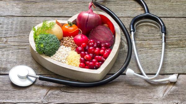 Как снизить высокое артериальное давление 200 на 100: каковы причины и симптомы таких показателей, что они значат?