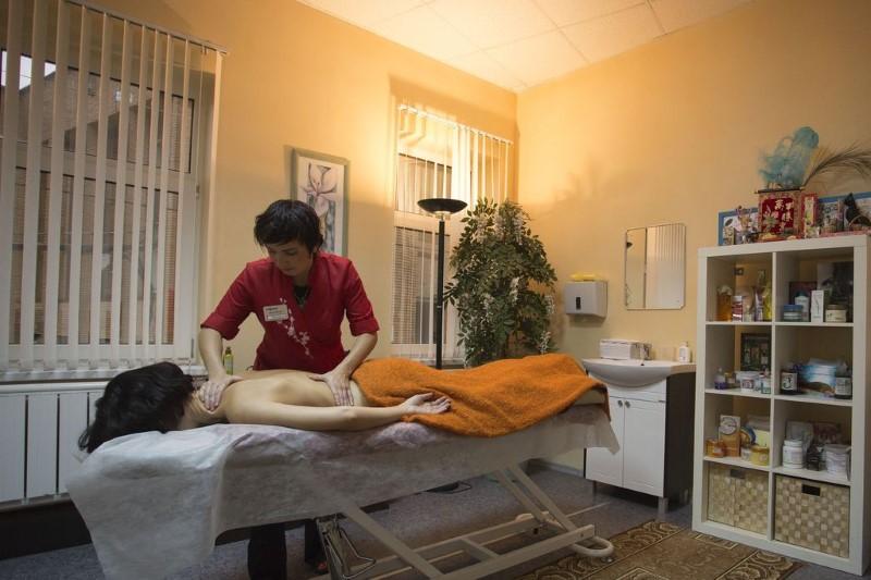 Можно ли массаж при гипертонии? Показания, подготовка и виды процедуры