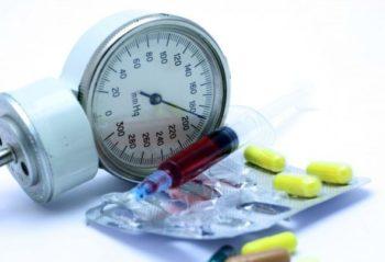 Что значит артериальное давление 140 на 100, причины, что делать и что принимать чтобы сбить высокие показатели?