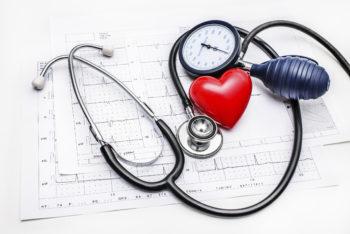 Кто такой доктор Мясников и в чем суть его метода лечения гипертонии?