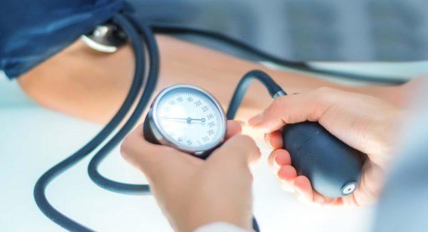 Что такое гипертония второй степени и можно ли её вылечить? Каковы причины, симптомы и признаки заболевания?