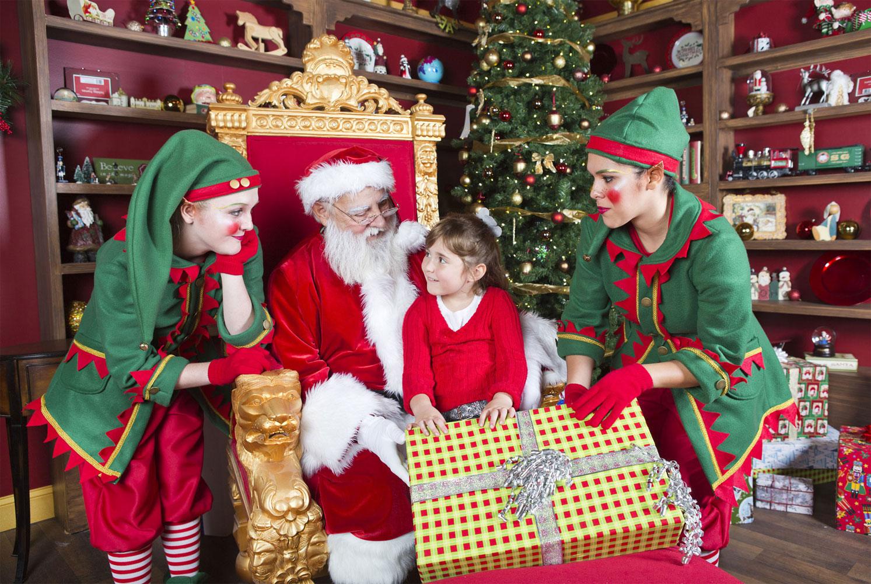 Новогодние традиции и подарки.