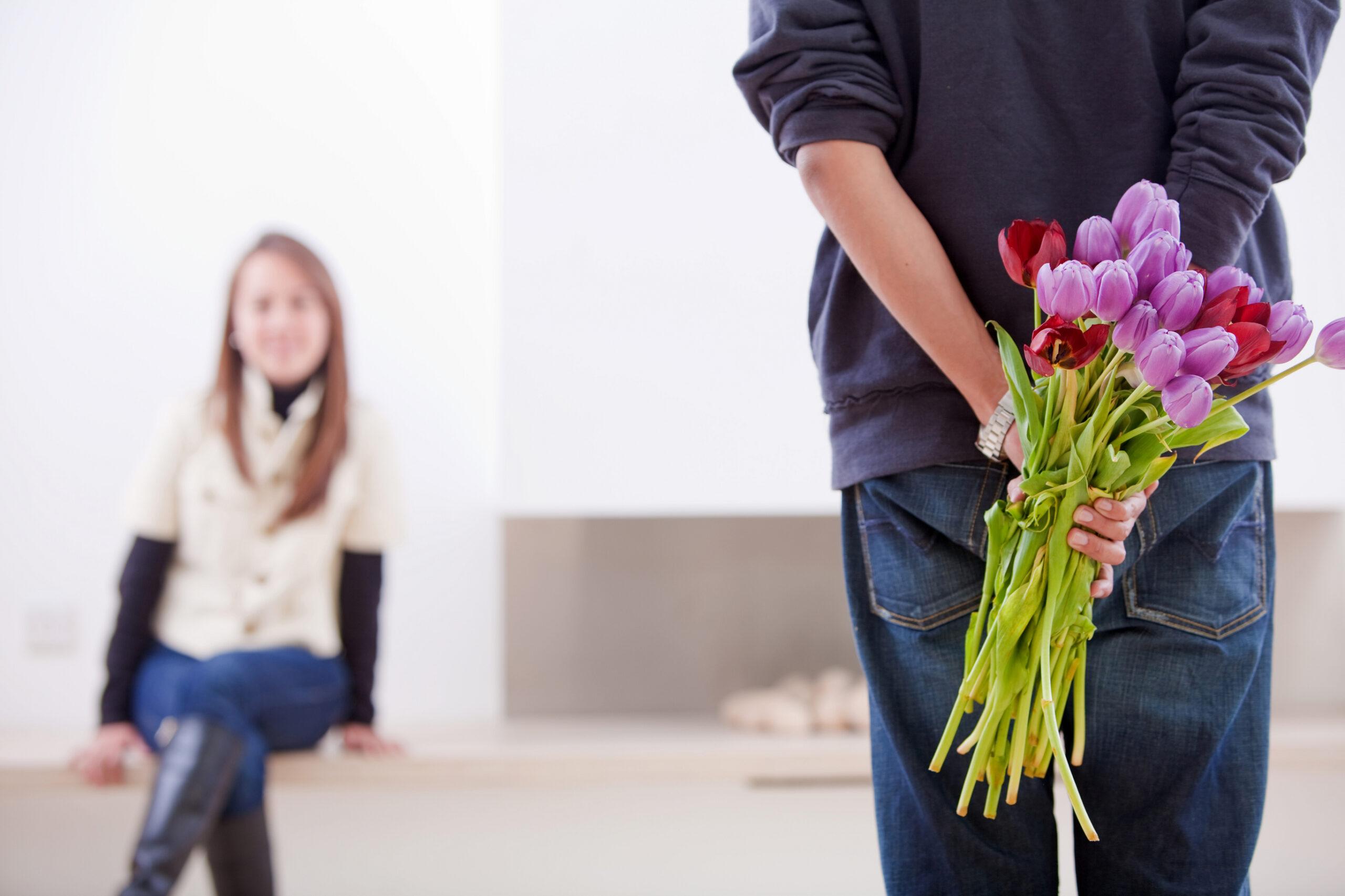 Как правильно порадовать своего любимого человека на 8 марта?